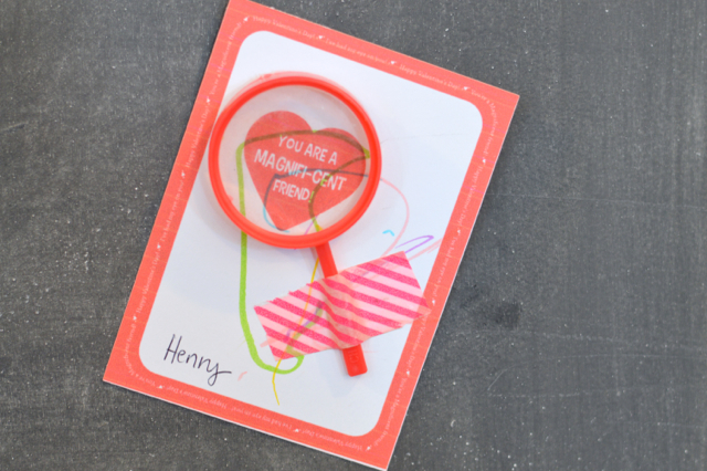 Magnifying glass Valentine1