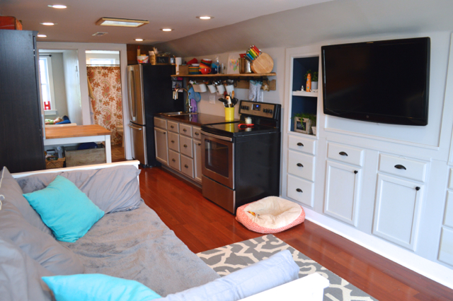 Terrific A Tiny House Tour Updated Newlywoodwards Largest Home Design Picture Inspirations Pitcheantrous