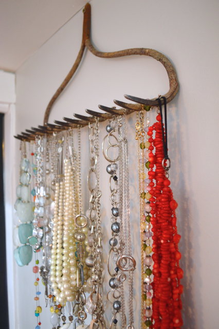 Rake jewelry holder3