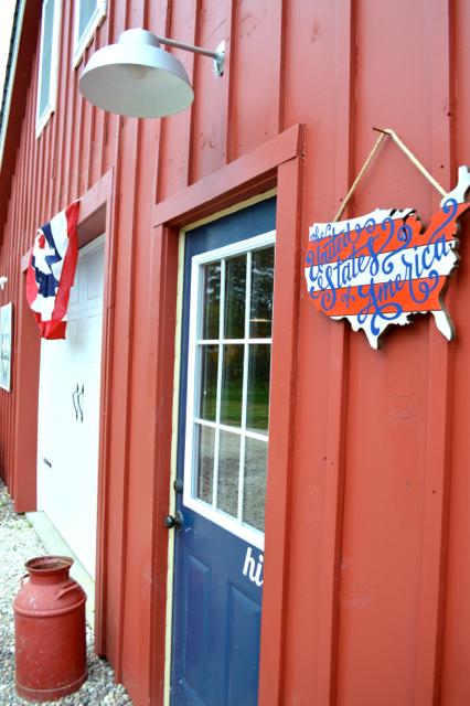Patriotic barn 20152