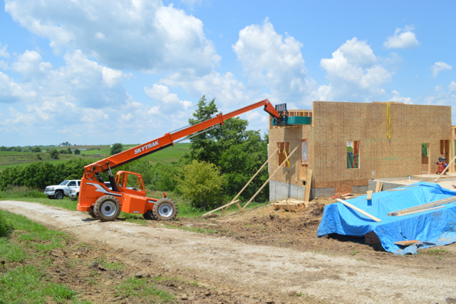 Raising walls and floor trusses11