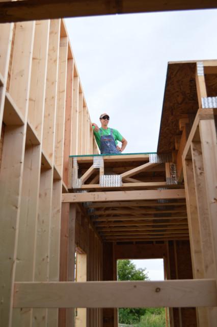 Raising walls and floor trusses21