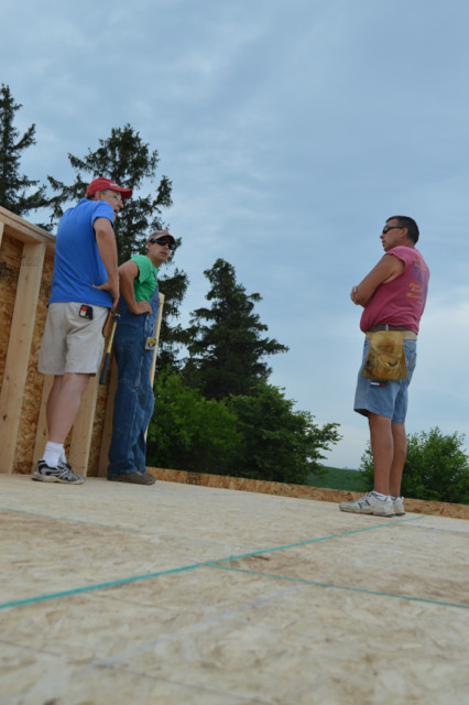 Raising walls and floor trusses22