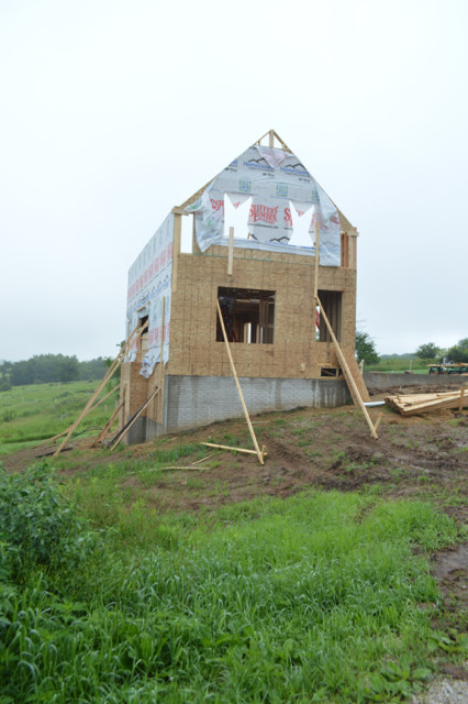 Raising walls and floor trusses23