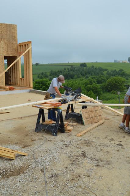Raising walls and floor trusses24