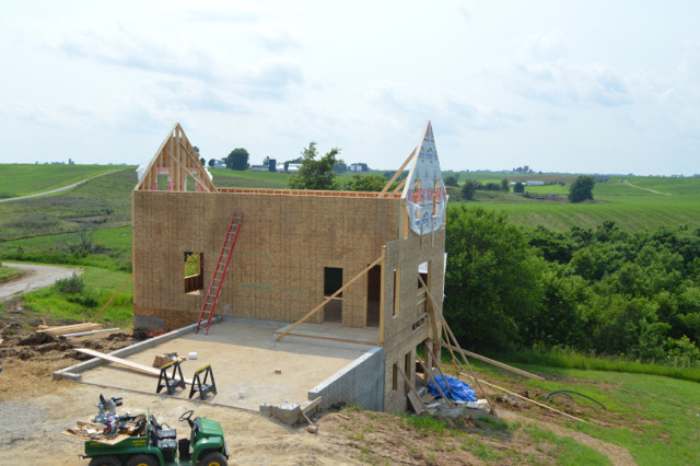 Raising walls and floor trusses25