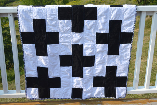 black and white cross quilt2