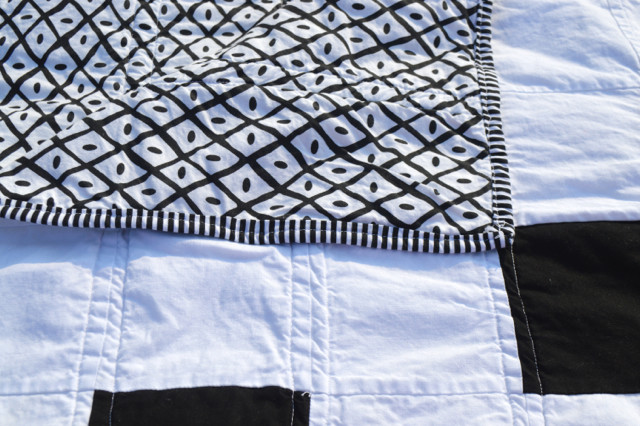 black and white cross quilt4