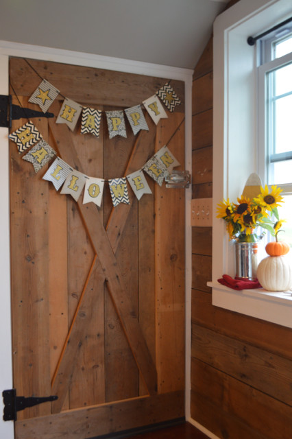 fall decor newlywoodwards tiny house9