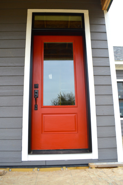 Barn red door NewlyWoodwards5
