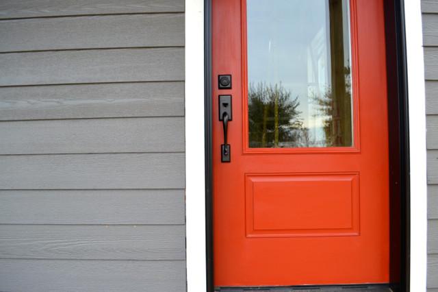 Barn red door NewlyWoodwards6