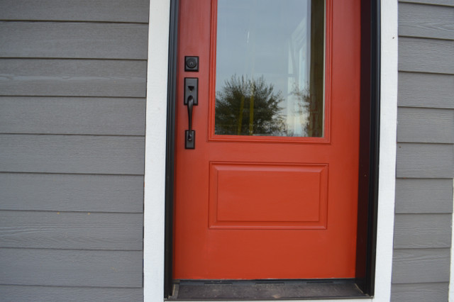 Barn red door NewlyWoodwards7