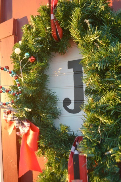 DIY Christmas trio wreath JOY10