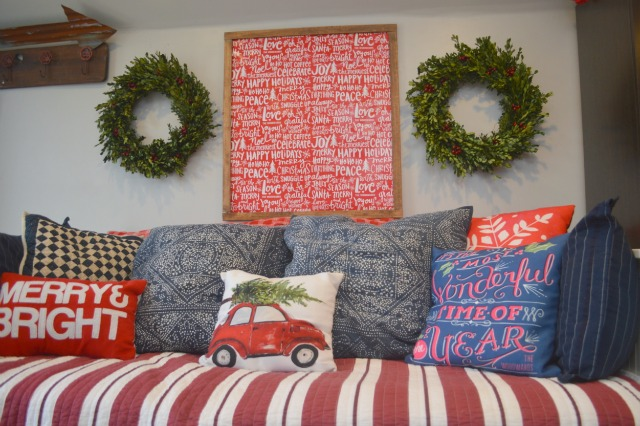 oversized diy holiday wall art from wrapping paper