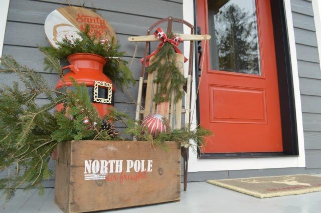 Front porch Santa DIY decor