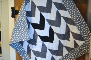 """""""Black, white and grey all over"""" arrows quilt"""