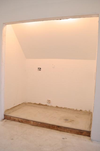 laundry concrete floor with drain1