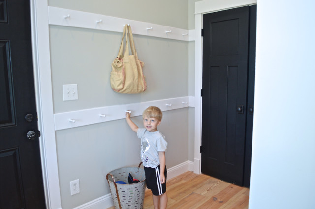 mudroom DIY peg rails4