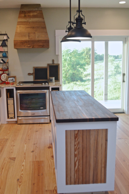 A butcher block countertop for the island newlywoodwards for Countertop liquidators