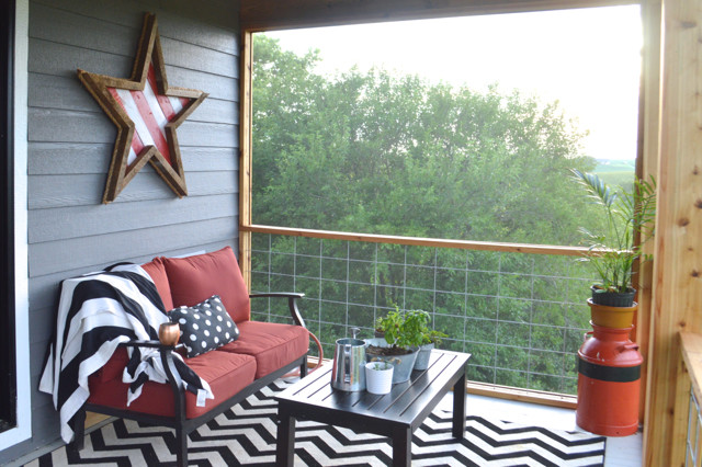 DIY screened porch with cedar and barnwood02