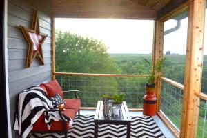 DIY cedar and barnwood screened porch