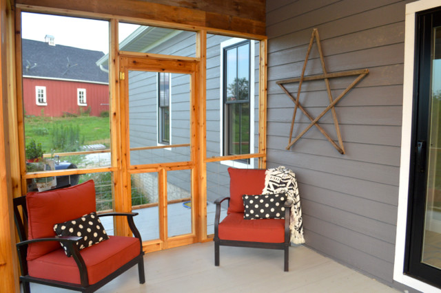 Diy screened porch newlywoodwards diy screened porch with cedar and barnwood07 solutioingenieria Image collections
