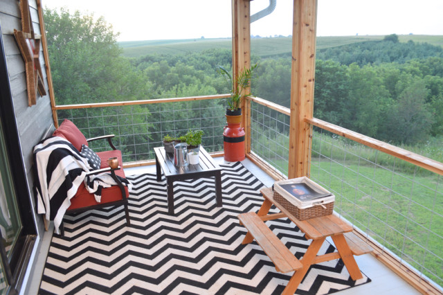 DIY screened porch with cedar and barnwood08