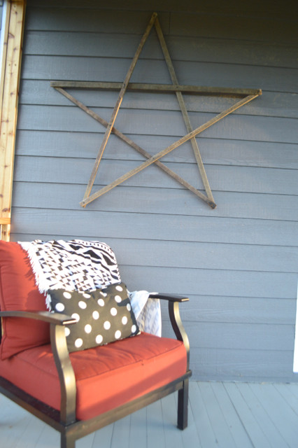 DIY screened porch with cedar and barnwood10