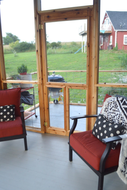DIY screened porch with cedar and barnwood14