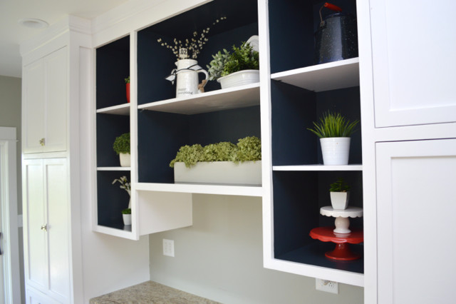 Painting open shelves dark blue with white06