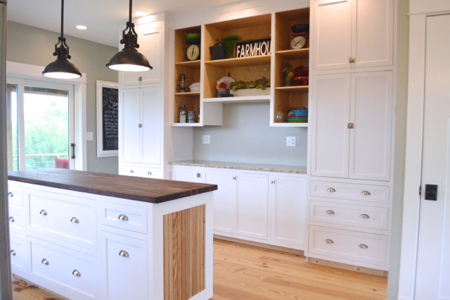 White kitchen cabinets design 02