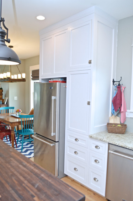 White kitchen cabinets design 06