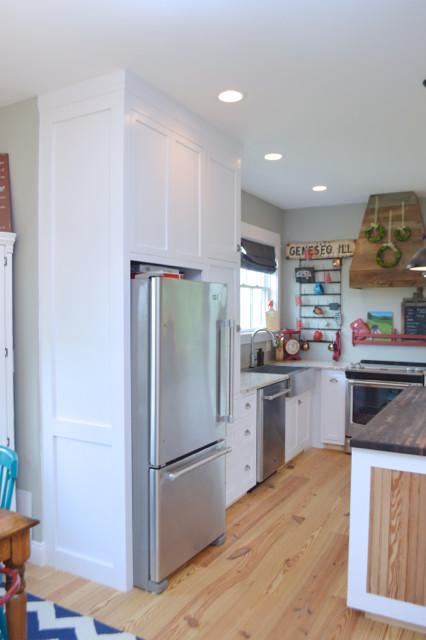 White kitchen cabinets design 10