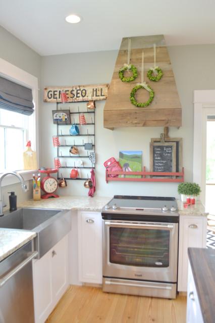 White kitchen cabinets design 15