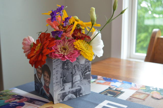 how to make a photo cube into a vase2