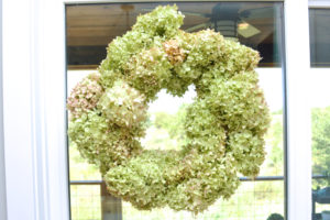 How to make a $3 hydrangea wreath