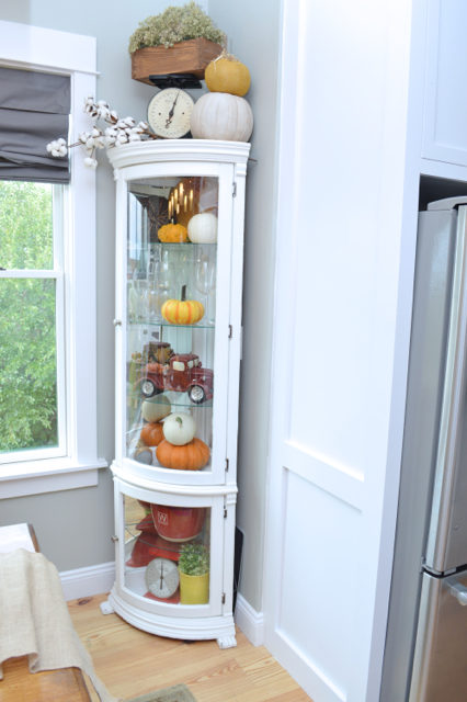 fall-decor-hutch-inspiration1