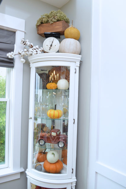 fall-decor-hutch-inspiration2