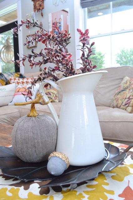living-room-fall-decor-inspiration05