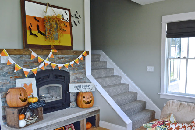 halloween-mantel-newlywoodwards3