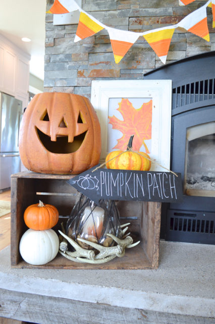 halloween-mantel-newlywoodwards7