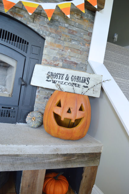 halloween-mantel-newlywoodwards8