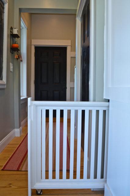 built-in-doggie-gate-diy5