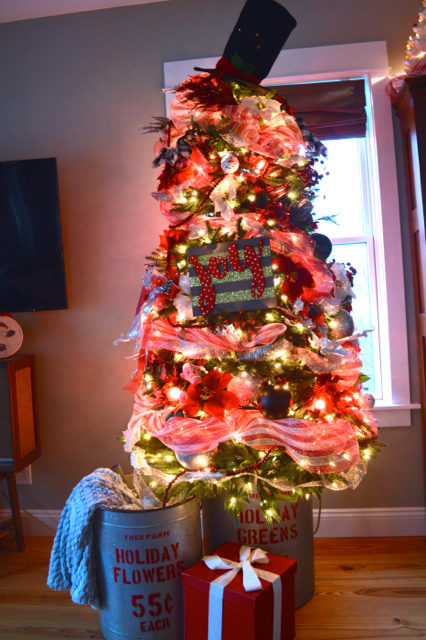 christmas-tree-in-a-bucket1