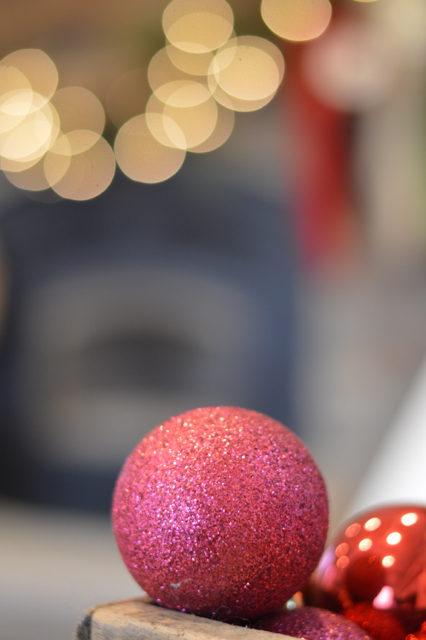 living-room-christmas-tree-and-decor12