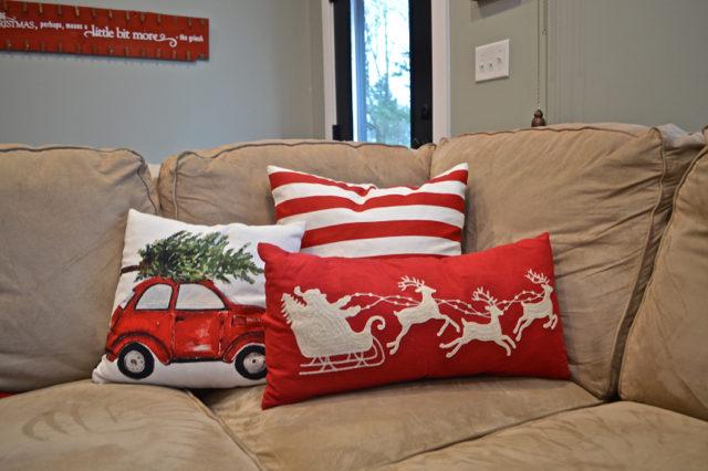 living-room-christmas-tree-and-decor15