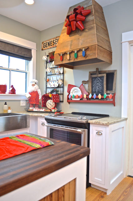 merry-and-bright-kitchen-christmas-decor05