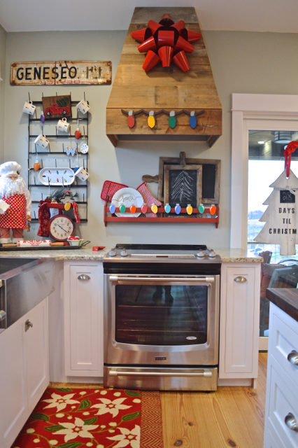 merry-and-bright-kitchen-christmas-decor06
