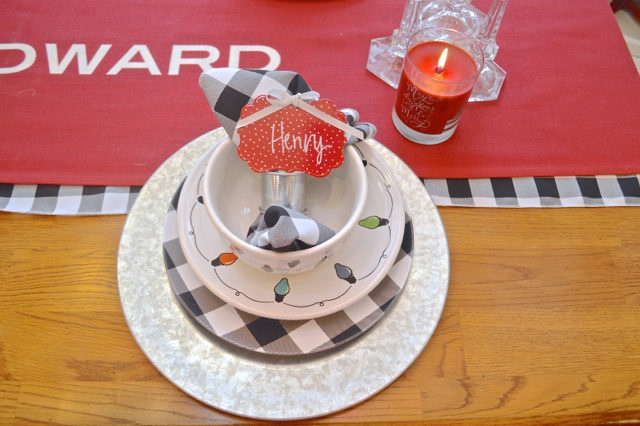 christmas-red-dining-room-decor05