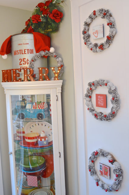 christmas-red-dining-room-decor10